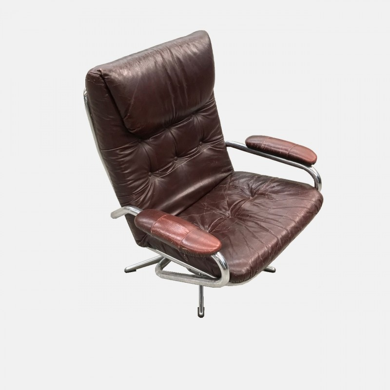Leather & chrome lounge chair