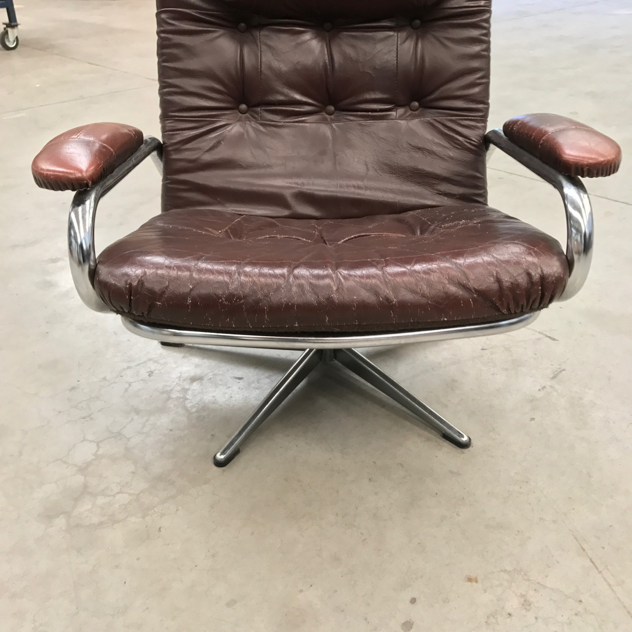 Leather Chrome Lounge Chair