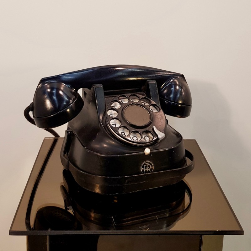 RTT56 Post War Telephone
